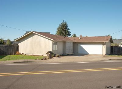 Keizer Single Family Home Active Under Contract: 6025 McLeod Ln