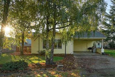 Dallas Single Family Home Active Under Contract: 435 SE Fir Villa Rd