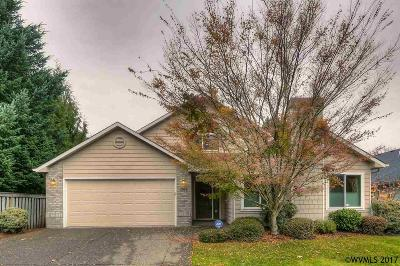 Salem Single Family Home For Sale: 391 Holder Ln