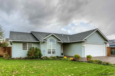 Aumsville Single Family Home Active Under Contract: 555 N 9th Pl