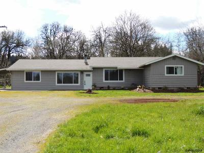 Scio Single Family Home For Sale: 38245 Gilkey Rd