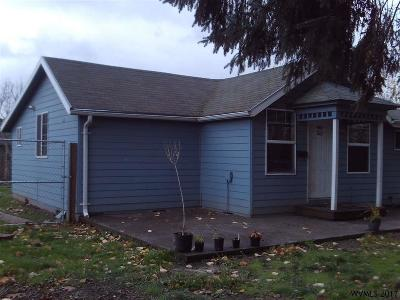 Woodburn Single Family Home For Sale: 548 Ogle St