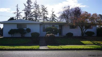 Keizer Single Family Home For Sale: 1654 Manzanita St