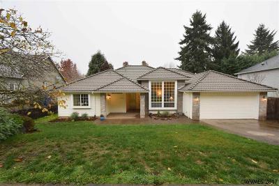 Salem Single Family Home For Sale: 683 La Cresta Dr