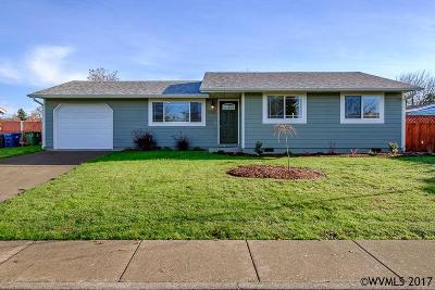 Aumsville Single Family Home Active Under Contract: 880 N 9th St