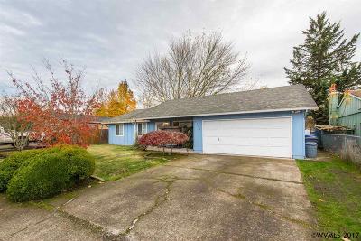 Salem Single Family Home For Sale: 4702 Regal Dr