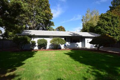 Keizer Single Family Home Active Under Contract: 2017 Kinglet Wy