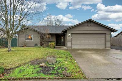 Aumsville Single Family Home Active Under Contract: 460 N 8th St