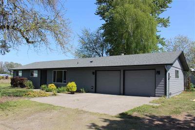 Salem Single Family Home For Sale: 5685 Culver Dr