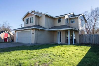 Aumsville Single Family Home For Sale: 1100 Lincoln Ct