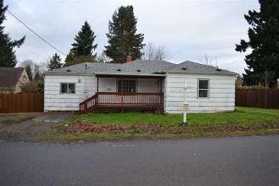 Keizer Single Family Home For Sale: 681 Dietz Av