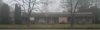 Salem Multi Family Home For Sale: 1090 Capitol (-1098) St