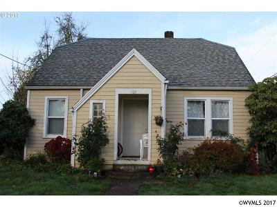 Woodburn Single Family Home For Sale: 789 Hall St