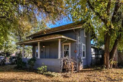 Independence Single Family Home For Sale: 485 N Log Cabin St