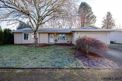 Keizer Single Family Home Active Under Contract: 6782 Birchwood Ct