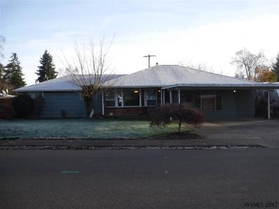 Dallas Single Family Home For Sale: 200 SE Walnut Av