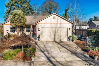 Dallas Single Family Home For Sale: 126 NW Elderberry Ln