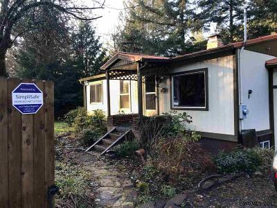 Sweet Home Single Family Home Active Under Contract: 48841 Santiam Hwy