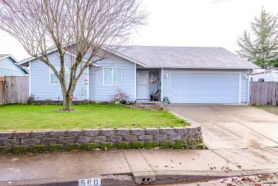 Aumsville Single Family Home Active Under Contract: 580 N 10th Pl