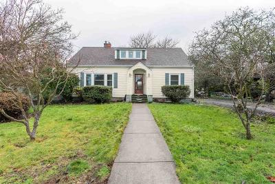 Monmouth Single Family Home For Sale: 285 Whitman St