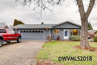 Keizer Single Family Home Active Under Contract: 813 Maine Av