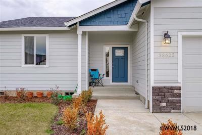 Scio Single Family Home Active Under Contract: 38622 SW Filbert St