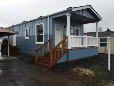Dallas Manufactured Home Active Under Contract: 450 SE Lacreole (#48) Dr #48