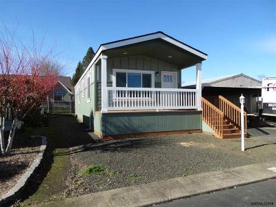 Dallas Manufactured Home For Sale: 450 SE Lacreole (#121) Dr #121