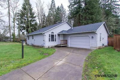 Stayton Single Family Home For Sale: 565 E Mill Stream Woods