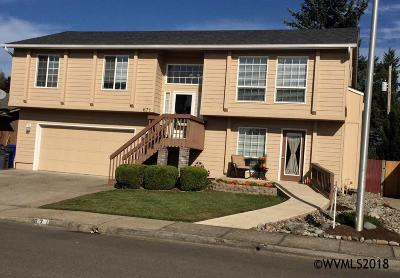 Keizer Single Family Home Active Under Contract: 671 Cater Dr