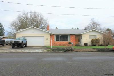 Stayton Single Family Home Active Under Contract: 485 E Hollister St