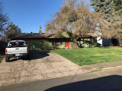 Keizer Single Family Home Active Under Contract: 1945 Dearborn Av