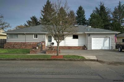 Stayton Single Family Home Active Under Contract: 888 N Douglas Av