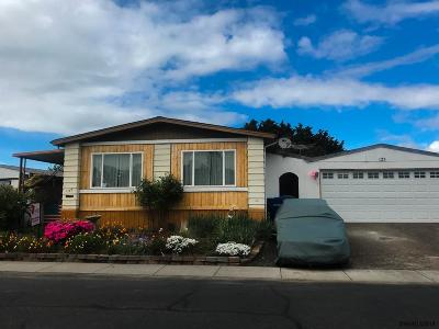 Keizer Manufactured Home For Sale: 5355 River (#125) Rd #125