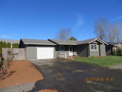 Stayton Single Family Home Active Under Contract: 1465 Wyatt Av