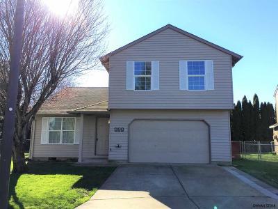 Keizer Single Family Home Active Under Contract: 922 Sagrada Cl