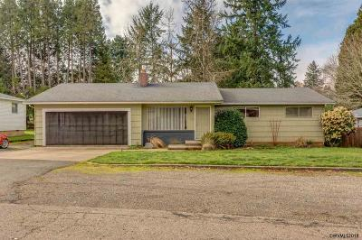 Salem OR Single Family Home For Sale: $260,000