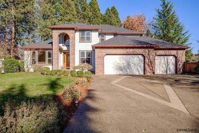 Keizer Single Family Home For Sale: 839 Crystal Spring Ln
