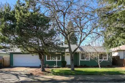 Salem OR Single Family Home Active Under Contract: $225,000