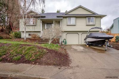 Dallas Single Family Home For Sale: 566 SE Cypress Av