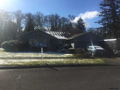 Stayton Single Family Home For Sale: 990 E Burnett St