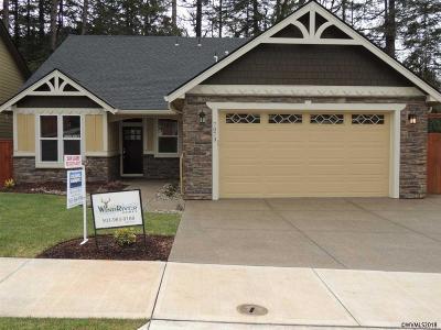 Salem Single Family Home For Sale: 7073 Clover Creek Dr