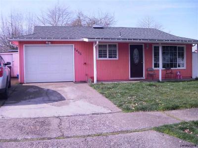 Salem Single Family Home For Sale: 2465 Eddy Av