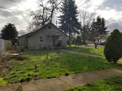 Woodburn Single Family Home Active Under Contract: 1104 3rd St