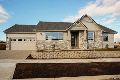 Salem Single Family Home For Sale: 243 Rainier Dr