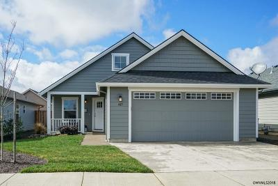 Dallas Single Family Home For Sale: 485 SE Isenberg St