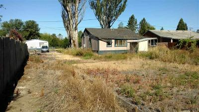 Sweet Home Single Family Home Active Under Contract: 1095 38th Av