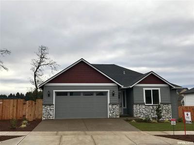 Salem Single Family Home For Sale: 5680 Mt Vernon St