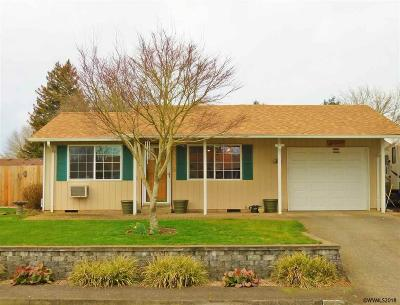 Aumsville Single Family Home Active Under Contract: 865 5th St