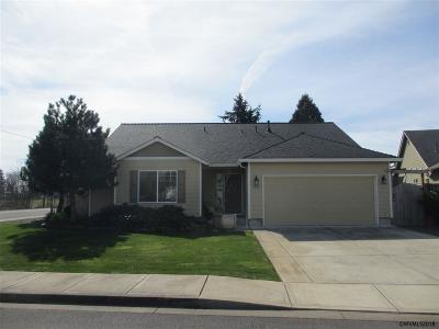 Aumsville Single Family Home Active Under Contract: 9996 Puma St